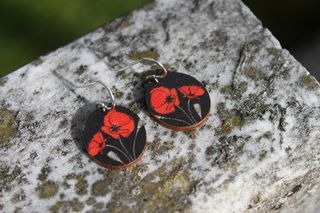 Soulmate Poppy Small Oval Earring