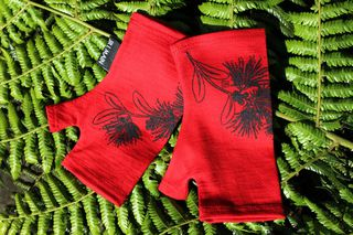 Lucky Red Pohutukawa Branch Mitts