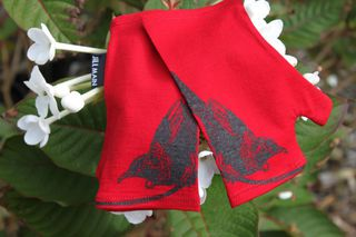Lucky Red Tui Merino Mitts