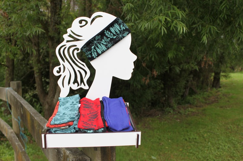 Headband Display with Tray